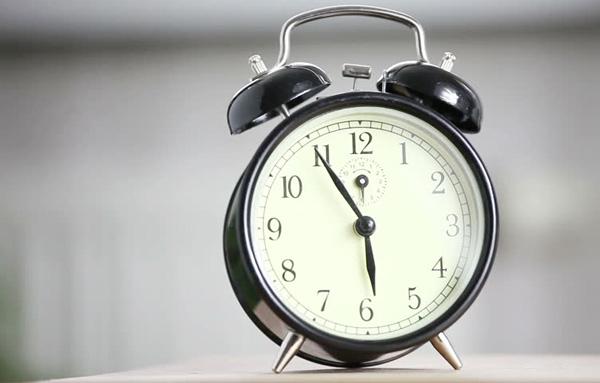 夜型生活から完全に脱却!早起きを確実に成功させるの4つテクニック