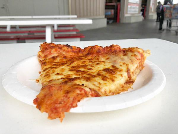 【コストコ】フードコートのクアトロフォルマッジピザを食べた感想 #新商品