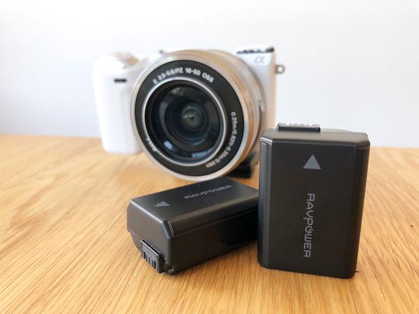 コスパ優秀なSONYミラーレス一眼レフカメラ用の互換バッテリー充電器セット