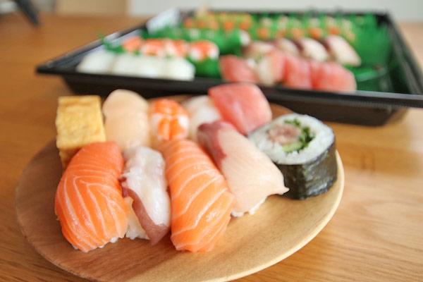 【コストコ】寿司ファミリー盛48貫を食べた感想。思ってたより良かった