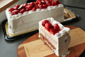 【コストコ】ベリーグランドクリスマスケーキ[2018年版]を食べた感想 #ベーカリー