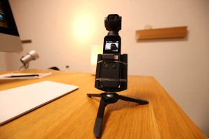 【Osmo Pocket】三脚&自撮り棒として使える卓上マイクスタンドがめっちゃ便利